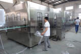 Completar el llenado de líquido Embotellado de Agua Pura taponadora de llenado Línea de producción de botellas PET