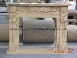屋内ベージュ自然な石造り&Buildingホーム装飾のための手によって切り分けられる暖炉Mantals