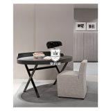Chambre à coucher moderne de bureau d'écriture d'hôtel de l'Italie avec les pattes en travers en métal