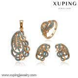 64185 Juwelen van het Bergkristal van de manier 18k de Gouden Geplateerde die in het Ontwerp van het Blad worden geplaatst
