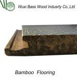 Suelo de bambú con el examen terminante