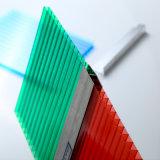 10mm着色されたポリカーボネートのパネルのパソコンのプラスチック空の屋根ふきは価格を広げる