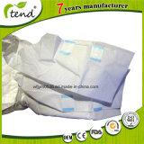 Surface sèche et des couches pour adultes avec imprimé coloré pellicule inférieure
