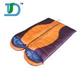 暖かい防水二重寝袋をハイキングする新しいデザイン