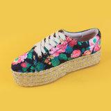 Женщины повелительниц насосов способа флористические напечатанные шнуруют вверх ботинки Espadrille платформы