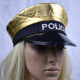 A polícia do ouro da criança apanha veste acima o chapéu do tampão com bordado do logotipo