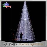 Feiertags-lebhafter großer im Freien künstlicher Handelsnennweihnachtsbaum