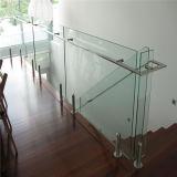 Diseño de vidrio claro fuera de la construcción de espita barandilla de vidrio