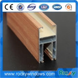 El grano de madera de extrusión de aluminio para la ventana y puerta.