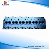 日産Td42 Td42t 11039-06j00 11039-06j01のためのエンジン部分のシリンダーヘッド