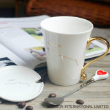 Tazza di ceramica dello zodiaco dell'oro della costellazione con il cucchiaio