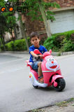 Прокатитесь на батареи малыша мотоциклов