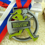 リボンが付いているメダルを実行している新しいデザインによって切り取られる合金の鋳造のカスタム女性