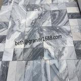低価格の曇った灰色の大理石のタイルの大理石の床タイル