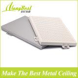 2017 ventas calientes perforaron diseños de aluminio falsos del techo