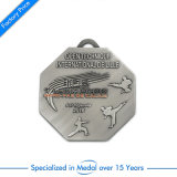 Il servizio più di pesce del medaglione del metallo del Triathlon d'argento vernicia le Olimpiadi di ricerca di virgolette