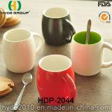 Taza de cerámica de la forma del barril de la venta al por mayor 14oz con la manija (HDP-2044)
