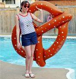 Giant Pretzel Circle Bread Swim Fun Siège flottant gonflable pour piscine