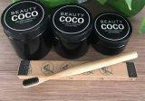 Organisches schwarzes Kokosnuss-Shell betätigte Holzkohle-Zähne/Zahn, der Puder weiß wird