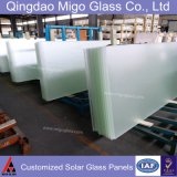 vidrio inferior del panel solar del hierro de la capa reflexiva anti de 3.2m m