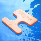 К услугам гостей бассейн с водными видами спорта плавающего режима седла с плавающей запятой на пляже бассейн сиденья, сшивание качания
