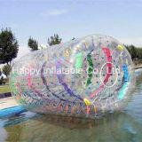水公園か極度なスポーツをするための多彩で膨脹可能なローラー