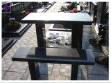Monument de granit noir et le cimetière banc Memorial