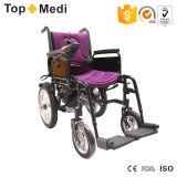Fauteuils roulants électriques de pliage fondamental économique de Topmedi avec le dossier pliable