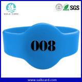 RFIDのロゴの印刷の腕時計様式の青いリストバンド