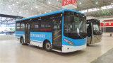 Чистый электрический автобус с большой емкости со стороны пассажира