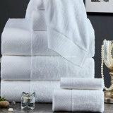 中国の工場は100%年の綿の明白で白いホテルの浴室手タオルを供給する