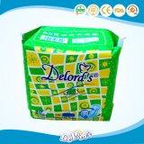 Het dagelijkse Maandverband van de Sanitaire Handdoek van de Dames van het Gebruik Gevleugelde