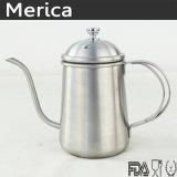 L'acciaio inossidabile versa sopra la caldaia del caffè