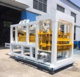 Hydraulischer gebetriebener Betonstein Qt12-15, der Maschinen-Höhlung-Block-Maschinen-Preis bildet