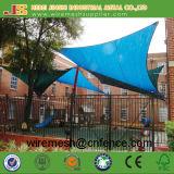 Réseau de parasol de stationnement d'école