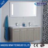 Module de salle de bains fixé au mur en gros de double bassin de PVC avec le miroir