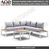 Hot Sale de la conception de meubles de luxe Hôtel en plein air aluminium chaise de salon un canapé-Set