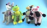 Sfera del Doggy in mucca, rana, mouse, figura Piggy affinchè animali domestici giochino con