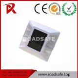 O Plástico do tráfego rodoviário reflexivo Marcador do pavimento de alumínio Solar reflexivo prisioneiro de Estrada