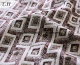 多彩なダイヤモンドパターン100%年のポリエステルジャカードソファーファブリック