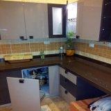 Moderner hoher Lack-Küche-Schrank des Glanz-2017
