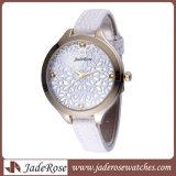 方法女性は本革が付いている水晶腕時計を防水する