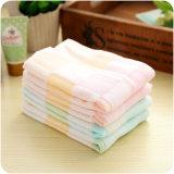 赤ん坊のための100%年の綿のガーゼの表面タオル