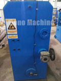 鋼鉄にコイルの金属ベルトの切り開を切る自動機械