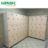 Un armadio di plastica dei 4 ABS della fila per usando dell'interno di ginnastica