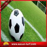 Hierba artificial de los deportes suaves respetuosos del medio ambiente para el campo de fútbol
