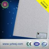 Azulejos de techo de PVC de color claro muy popular en muchos países