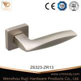 新しいハンドル、内部のドアハンドル、亜鉛合金のハンドル(Z6323)