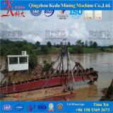 金鉱山のバケツの鎖の浚渫船