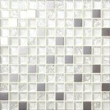 Zwart-wit Schaakbord die de Tegel van het Mozaïek van het Glas van het Kristal mengen